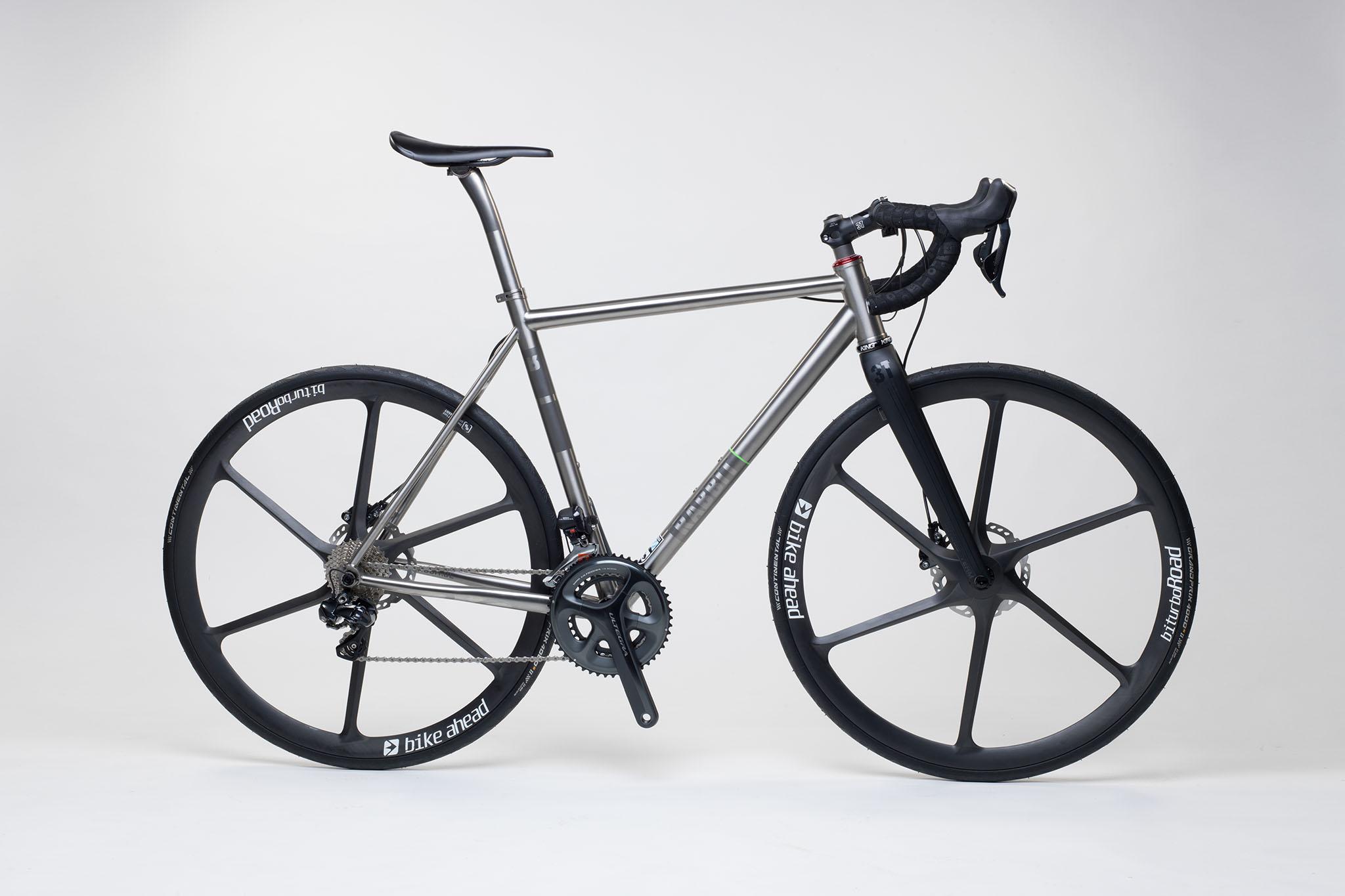titan_road_disc_bike_ahead_carbon_wheels_13_from_rabbit_titan_cycles_bavaria