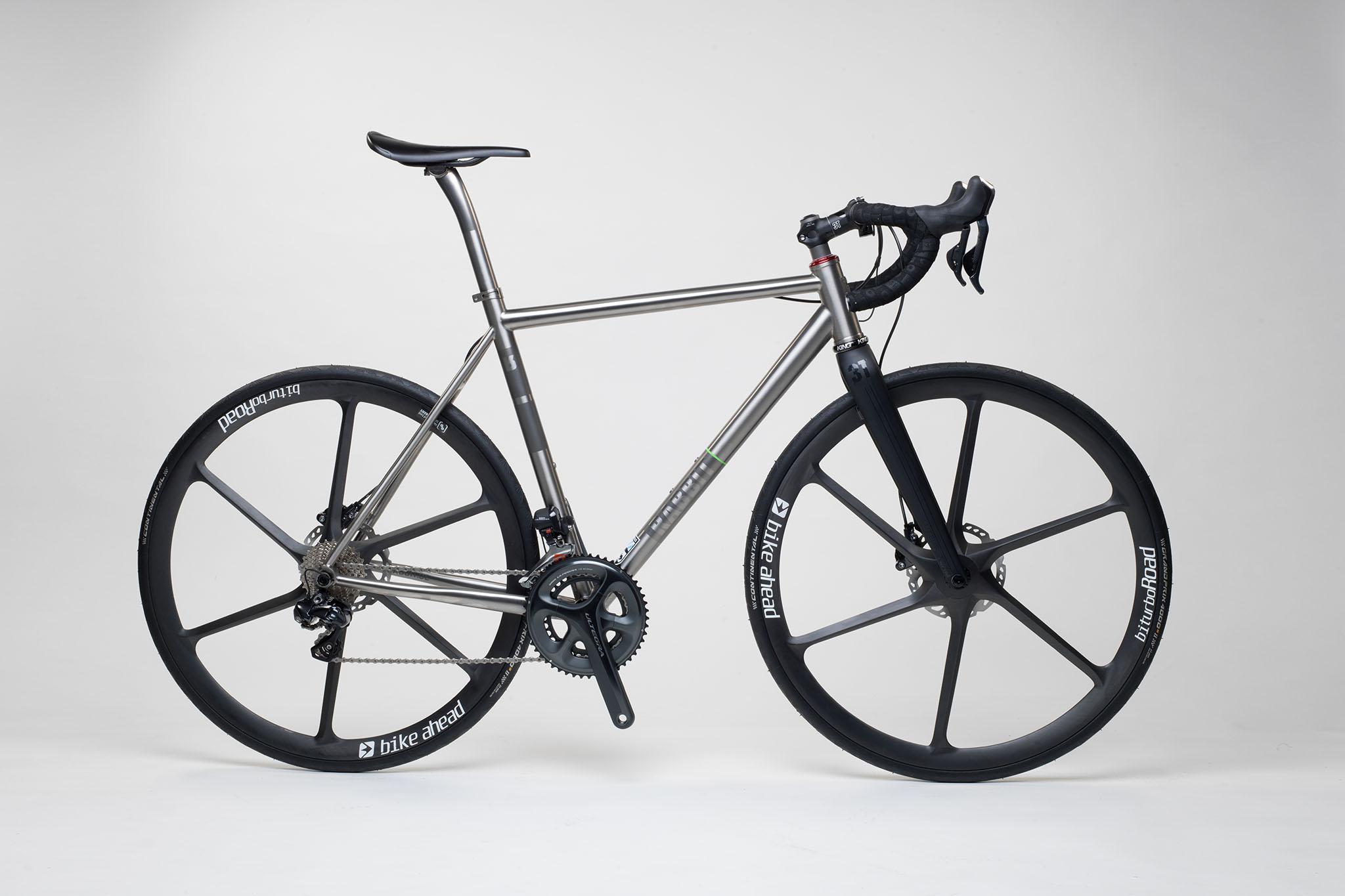 titan_road_disc_bike_ahead_carbon_wheels_15_from_rabbit_titan_cycles_bavaria