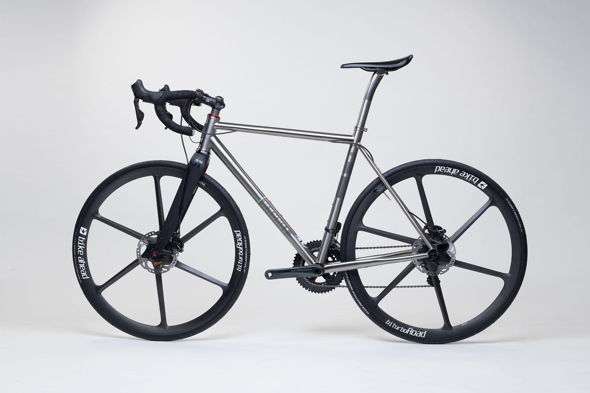 titan_road_disc_bike_ahead_carbon_wheels_16_from_rabbit_titan_cycles_bavaria