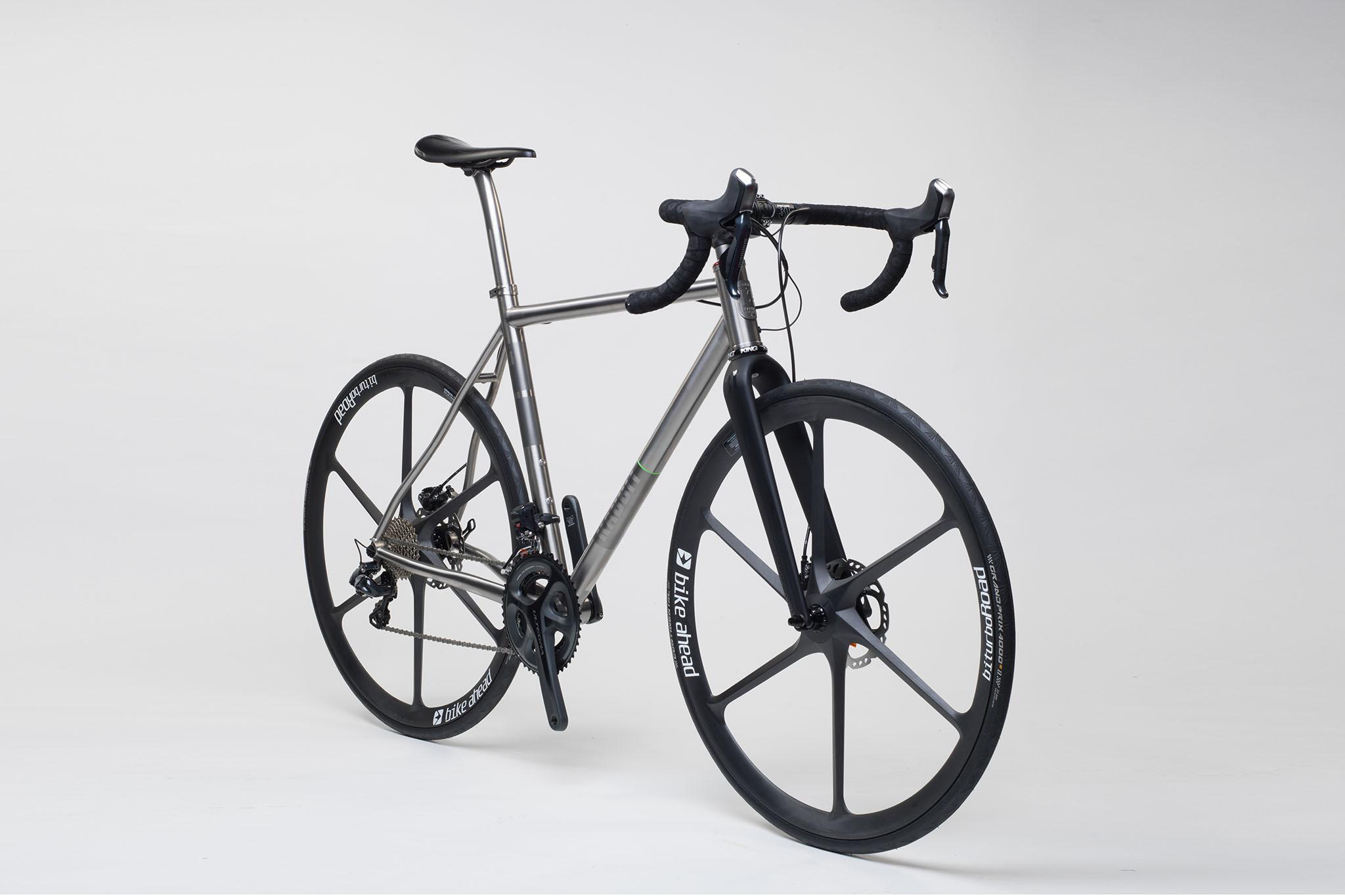 titan_road_disc_bike_ahead_carbon_wheels_18_from_rabbit_titan_cycles_bavaria